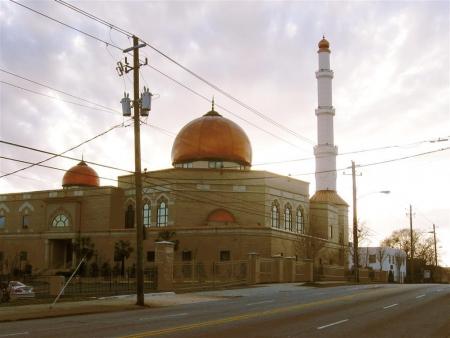 مساجد فلوريدا وجورجيا تفتح أبوابها كملاجيء للنازحين من إعصار إرما.